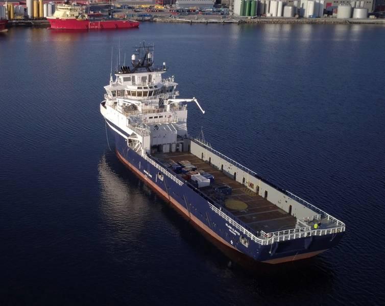 """BEFORE:Island Clipper:ノルウェーのUlsteinvikのオフショア島は、コンバージョンに成功しています。 """"前後""""。写真:オフショア島"""