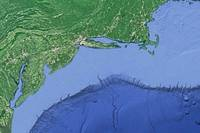 Ocean engineers from MIT, the University of Minnesota at Duluth and the Woods Hole Oceanographic Institution have accurately simulated the motion of internal tides along a shelf break called the Middle Atlantic Bight — a region off the coast of the eastern U.S. that stretches from Cape Cod in Massachusetts to Cape Hatteras in North Carolina. (Image: Google Earth)