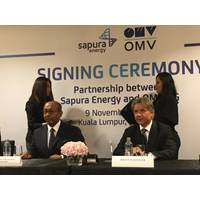 Sapura Energy's Tan Sri Shahril and OMV's Johann Pleininger at the November 2019 signing ceremony (Photo: OMV)