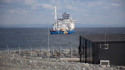 The cable-laying vessel NKT Victoria at the Johan Sverdrup converter station at Haugsneset near Kårstø.(Photo: Øyvind Gravås - Woldcam / Statoil)