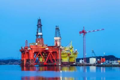 Illustration; Offshore rigs in Norway - Image by mariusltu - AdobeStock