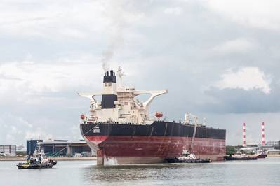 The very large crude carrier arrives at the Keppel shipyard in Singapore in November 2017 to be converted for the FPSO Liza project (Photo: SBM Offshore)