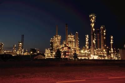 αρχείο Εικόνα: Συγκρότημα εξευγενισμού της Exxon στο Ρότερνταμ (CREDIT: ExxonMobil)
