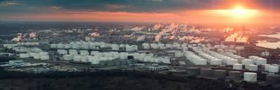 ヒューストンリファイニングコンプレックスの航空写真(クレジット:AdobeStock /©Irina K)