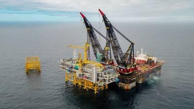 Alle Teile des Plattformpuzzles wurden vom Schwergutschiff Thialf an Ort und Stelle gehoben. (Foto Woldcam - Brüll Lindefjeld Bo Randulff Statoil)