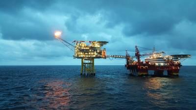 Imagen de archivo: instalación típica en alta mar del Mar del Norte (Crédito: Craig International)