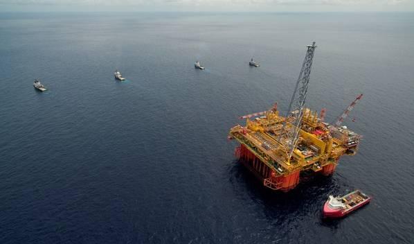 مرفق المعالجة المركزية لمشروع Ichthys LNG - Ichthys Explorer - يصل إلى المياه الأسترالية في مايو 2017 (File photo: Inpex)