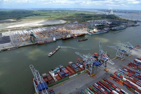 写真:アントワープ港