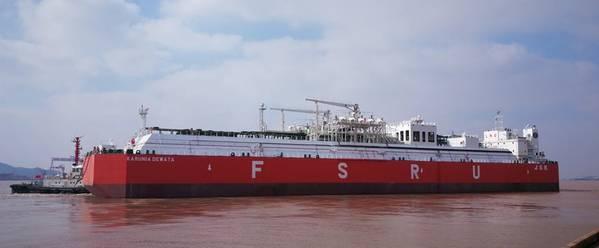 Karunia Dewata FSRU(写真:ロイドの登録簿)