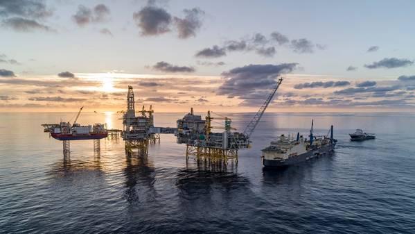 Saipem Castorone在北海的Johan Sverdrup油田。 (照片:Bo B. Randulff / Roar Lindefjeld / Equinor ASA)
