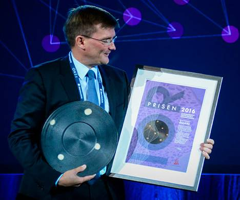 Head of Åsgard operations, Halvor Engebretsen, received the prize (Photo: Ole Jørgen Bratland/Statoil)