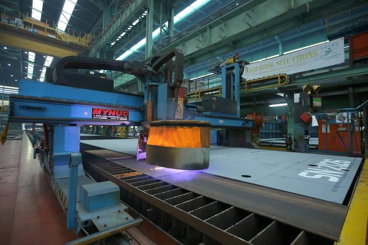 The steel cutting signifies the beginning of a mega construction phase of the hull and topsides of the PFLNG2 with a collective weight of 152,000 tonnage which is set to be built at the SHI Shipyard in Geoje Island, South K