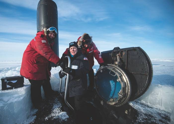 """While nominal force structure requirements for FY25 have not been determined, the Navy is committed to growing both the size and composition of the AUV force, said Secretary of the Navy (SECNAV) Ray Mabus, pictured in the Arctic Circle, greeting the captain and the chief of the boat as he boards the Los Angeles-class fast attack submarine USS Hampton (SSN 757) during Ice Exercise (ICEX) 2016. (U.S. Navy photo by Tyler Thompson)"