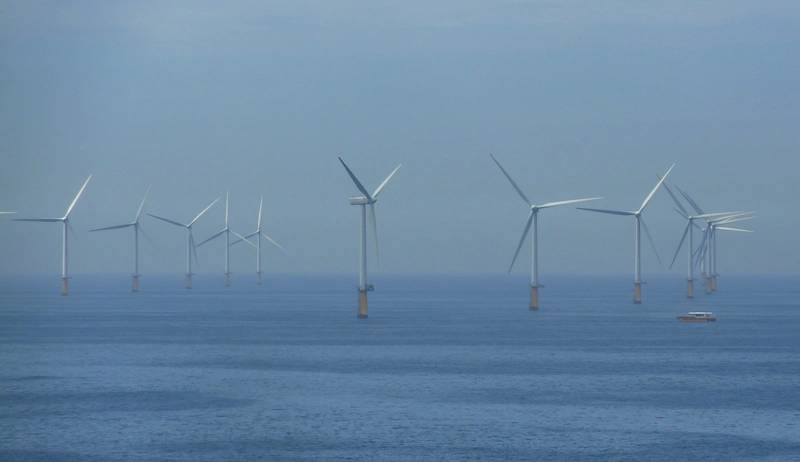 Shell has begun securing offshore wind power assets whose electricity it could use as feedstock for electrolysis to make hydrogen. Image for illustration - Credut:Gerwin Schadl/AdobeStock